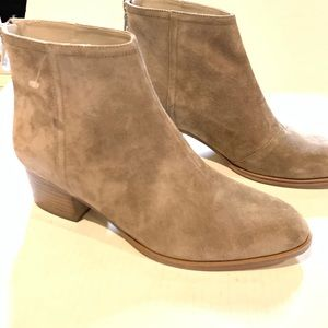 Rag and bone tan suede ankle booties size 9.5